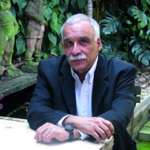 Ticio_Escobar_-_Participante_del_Foro_Internacional_por_la_Emancipación_y_la_Igualdad_(16106483253)
